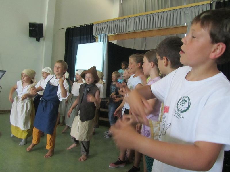 http://www.grundschule-philipp-weiss.de/pages/aktuell/bilder/2015_07%20Schulfest/v-IMG_2471.JPG
